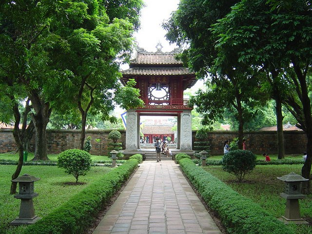 10 destinations cannot be ignored in Ha Noi