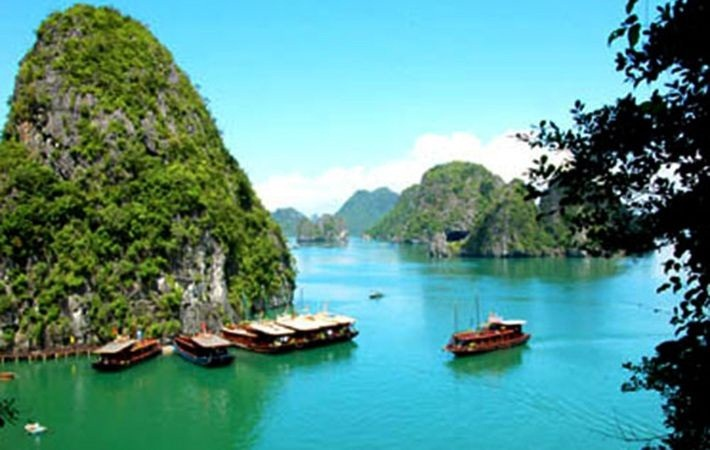 Halong Bay's wonderful islet collection
