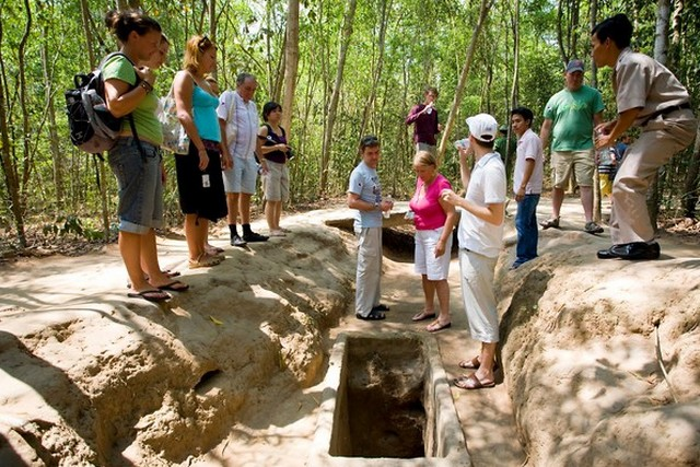 Ho Chi Minh City - Cu Chi tunnel 3 days 2 nights
