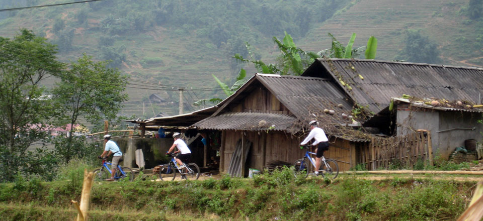Explore Sapa by motor