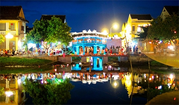 Danang - Hoi An - Hue - Marble Mountains 5 days